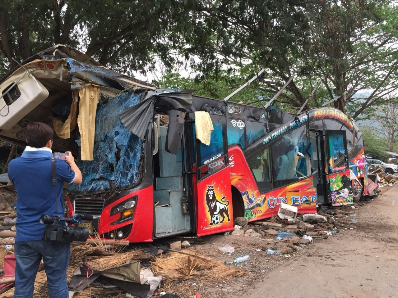 Bus driver admits taking methamphetamine before fatal journey | The Thaiger