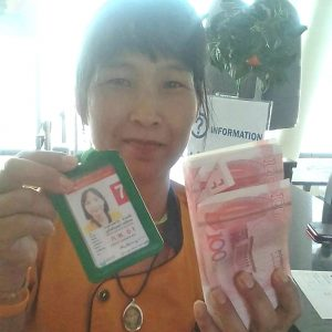Airport housekeeper returns 500,000 Baht to passenger   News by Thaiger