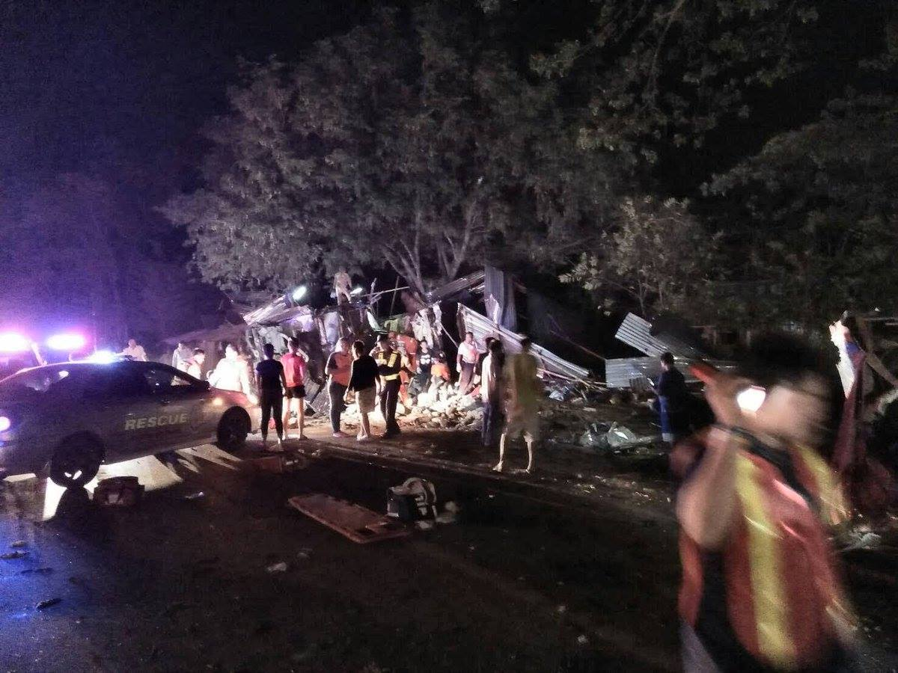 Nakhon Ratchasima bus crash kills 16 | The Thaiger