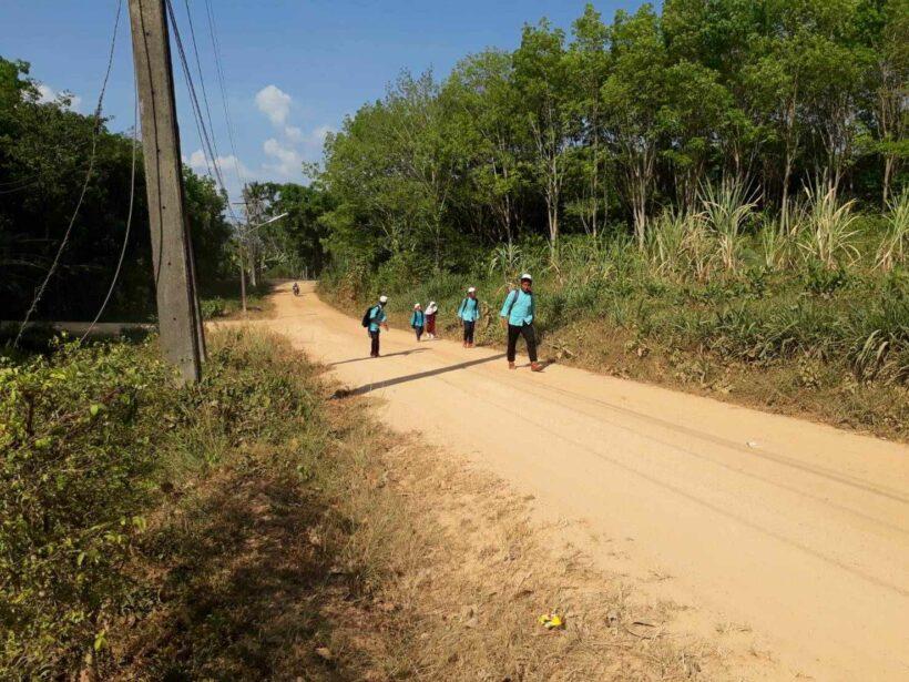 ชาวบ้านเกาะลันตาน้อย เดือดร้อนจากสภาพถนนลูกรัง ระยะทางกว่า 3 กิโลเมตร ยังไม่ได้รับการพัฒนามากว่า 20 ปี   The Thaiger