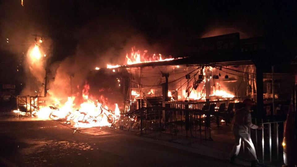 Fire in Pattaya's Walking Street. Two injured. | The Thaiger
