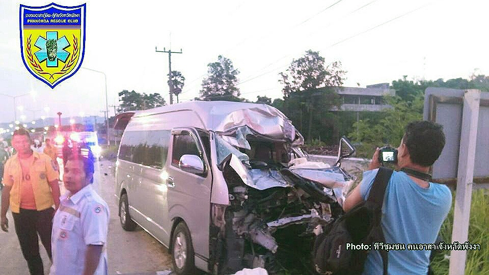 Van carrying Swedish tourists smashes into truck in Phang Nga | The Thaiger