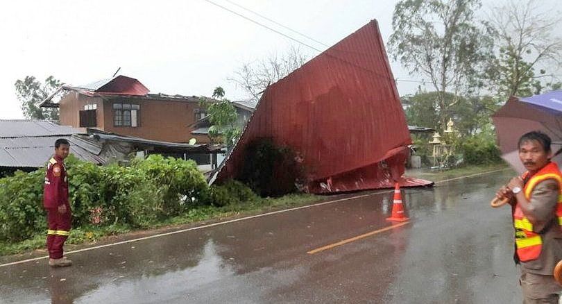 Storms wreak havoc in Chiang Rai and Phitsanulok | News by The Thaiger