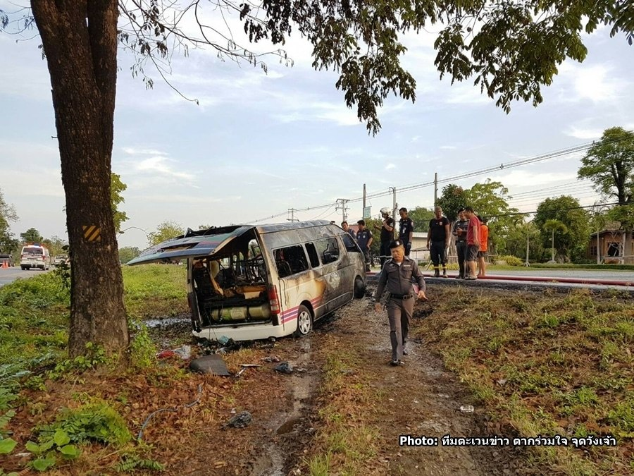 Burmese workers lucky to escape burning van after crash in Tak   News by Thaiger