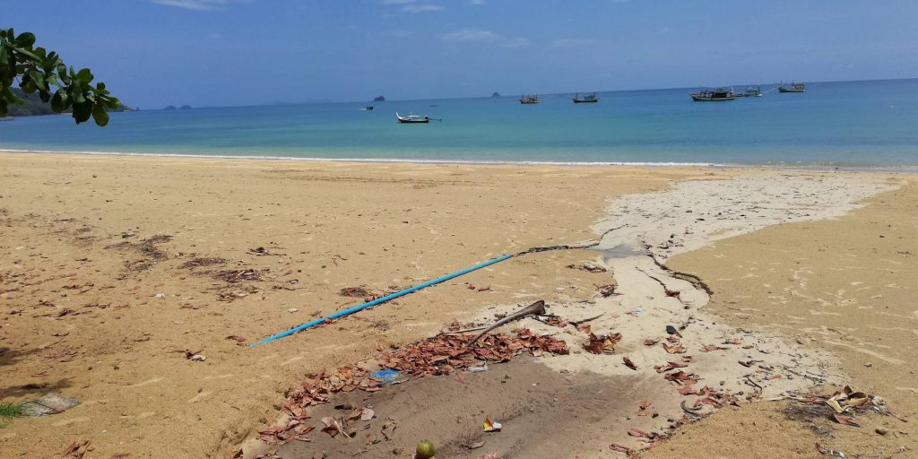 Wastewater flowing into the sea at Krabi | News by The Thaiger