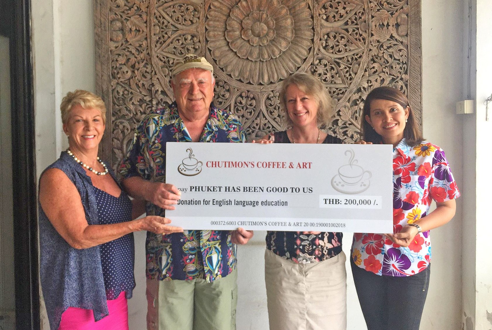 Cherngtalay's Chutimon Coffee & Art donates to PHBGTU charity | The Thaiger