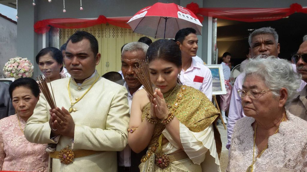 Krabi wedding parade carries 2 million baht dowry | News by Thaiger