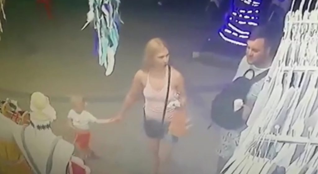 Family 'gang' rob shop in Krabi | News by The Thaiger