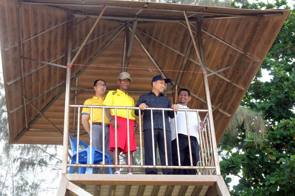 Phuket OrBorJor introduces 34 beach lifeguards for 5 beaches in Thalang | News by Thaiger
