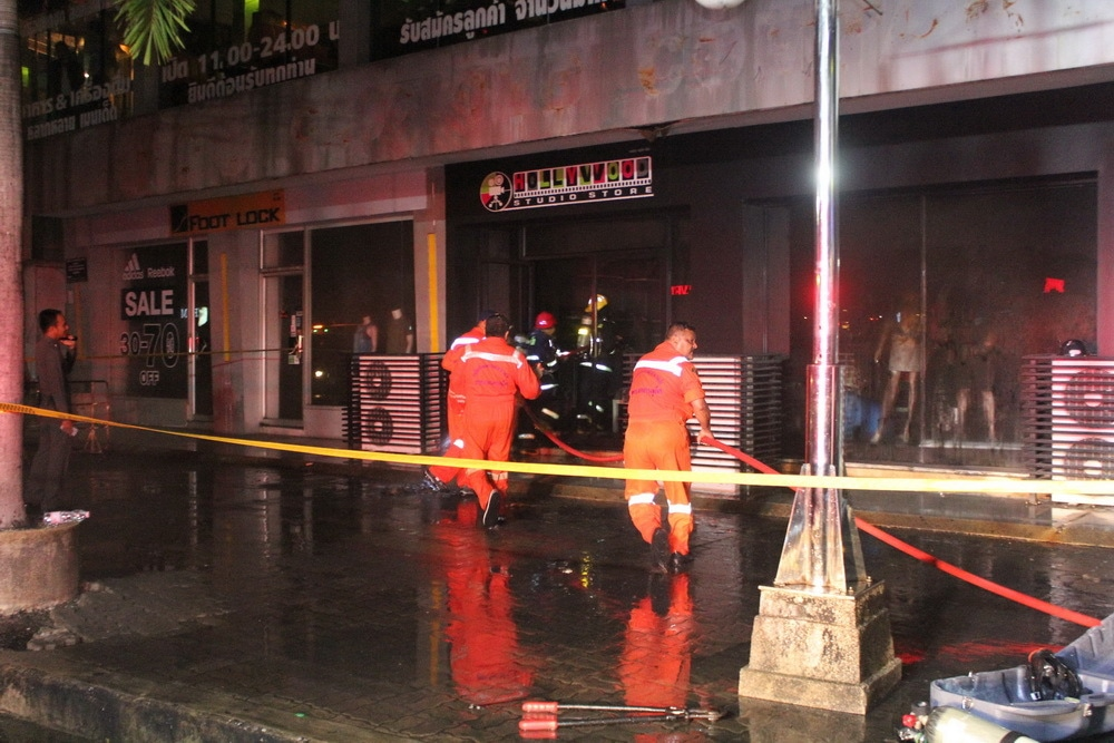 Phuket Town clothes shop blaze - 2 million baht in damages | News by Thaiger