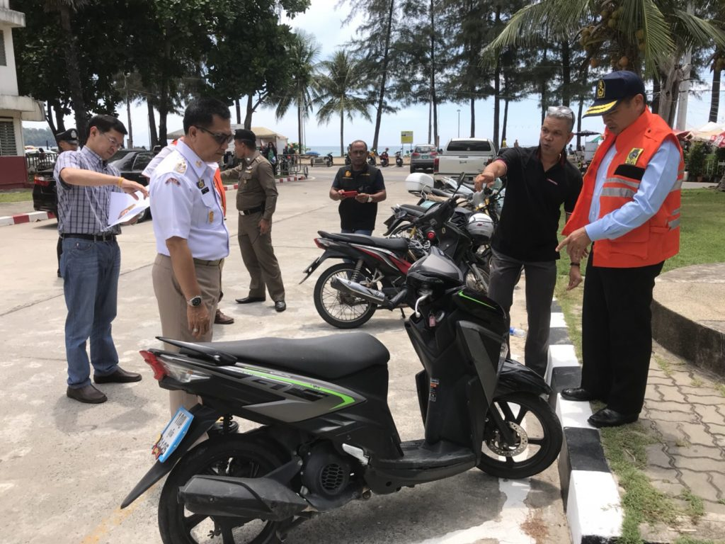 Governor follows up on bike accident that killed a Chinese tourist in Phuket | News by The Thaiger