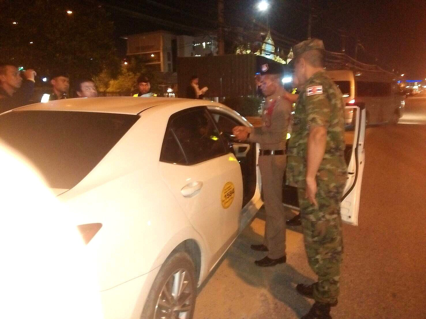 cec65dd9d8 Phuket green plate taxi arrested for drugs at Airport