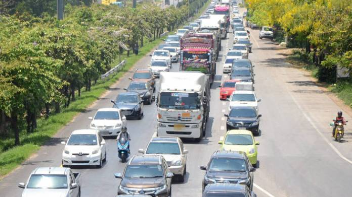 Songkran road safety day 5: 37 deaths, 330 accidents | Thaiger