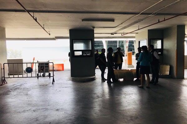 แจงกรณีที่รถยนต์ที่จอดในอาคาร ถูกกรีด พบจอดในจุดทางเข้าออกและไม่พบคนลงมือ | News by The Thaiger