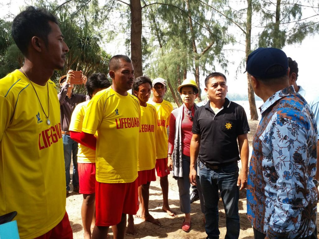 Phuket's Governor inspects lifeguards at the northern beaches | News by The Thaiger