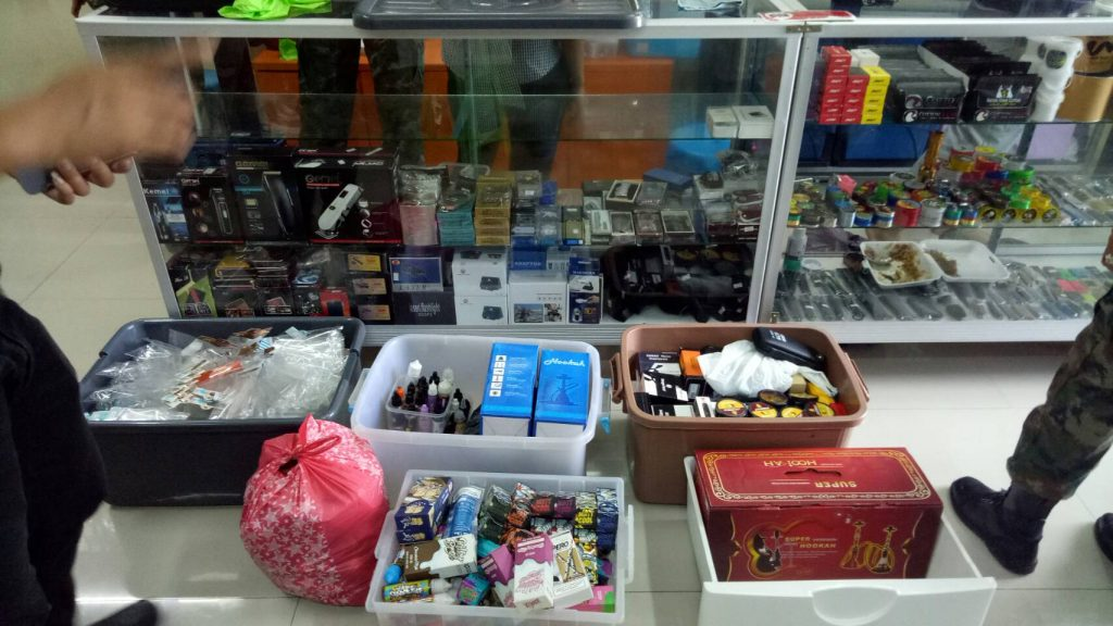 E-Cigarette/Vaping shop raided in Wichit. Owner arrested. | News by Thaiger