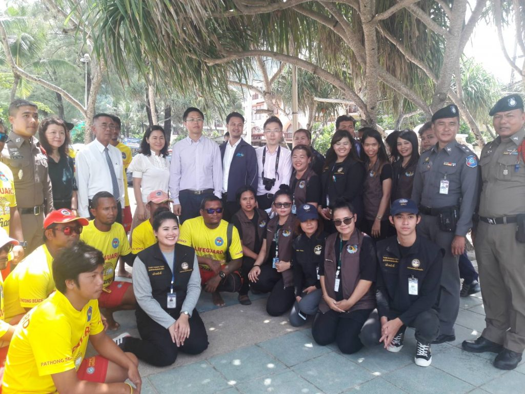 Chinese delegation visit Patong lifeguards and had some suggestions too   News by Thaiger