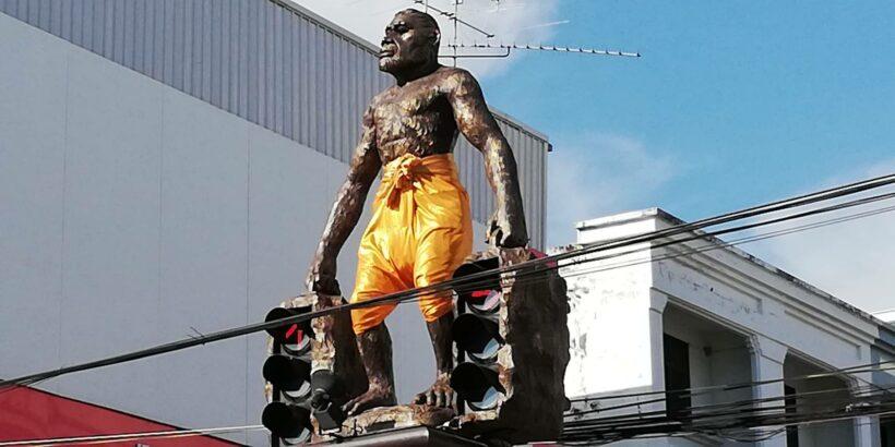 ฮือฮา! กระบี่เกาะกระแสละครดัง บุพเพสันนิวาส จับรูปปั้นมนุษย์โบราณ แต่งชุดไทย | The Thaiger