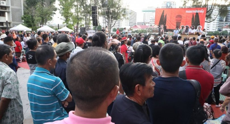 Activists challenge the Thai PM with three demands | News by Thaiger