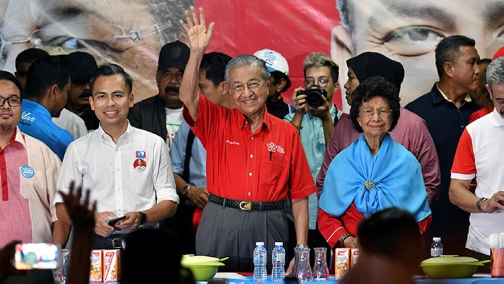 Stunning Malaysian election result ousts Barisan Nasional | The Thaiger