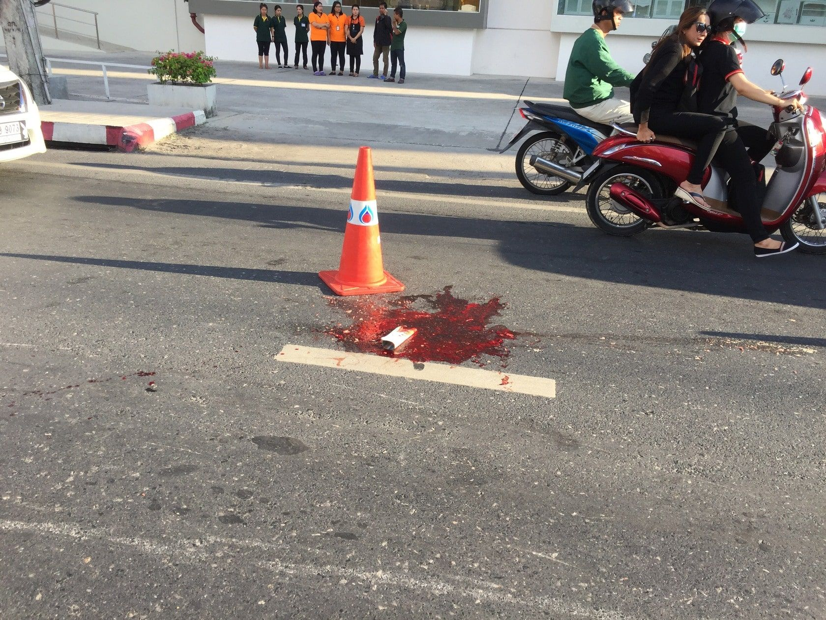 12 year old motorcycle rider killed in Wichit after head crushed by tour bus | The Thaiger