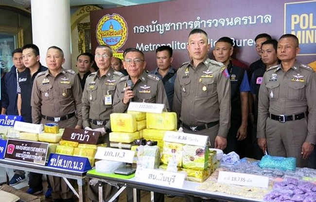 Four arrested with 414,000 methamphetamine pills, 'ice', ecstasy tablets and ketamine | News by Thaiger