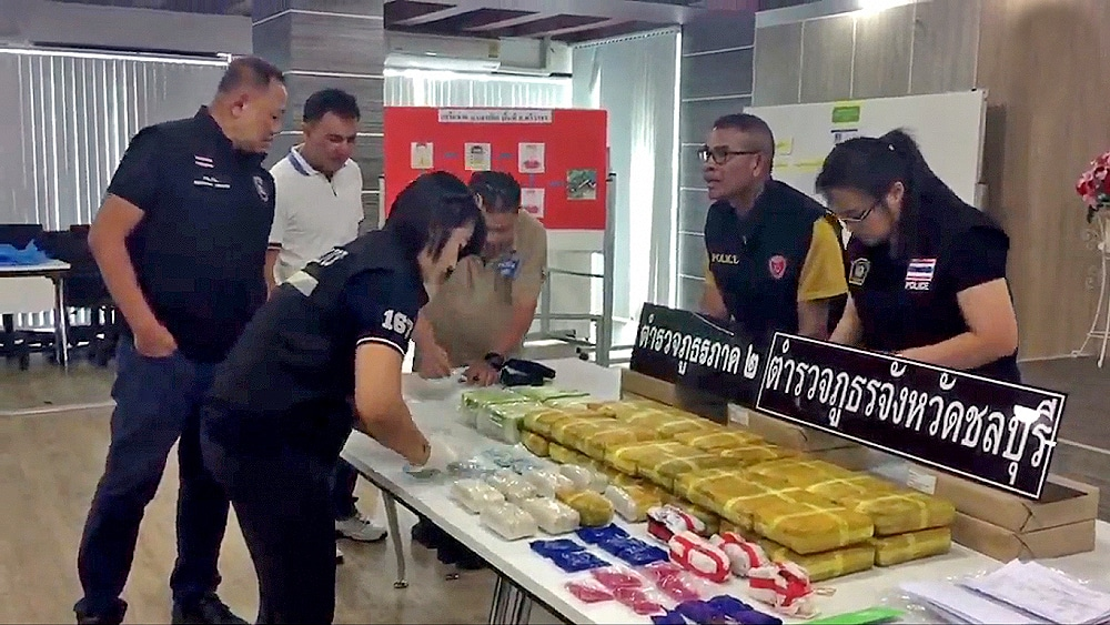 Chonburi sting nets suspects and drugs | Thaiger