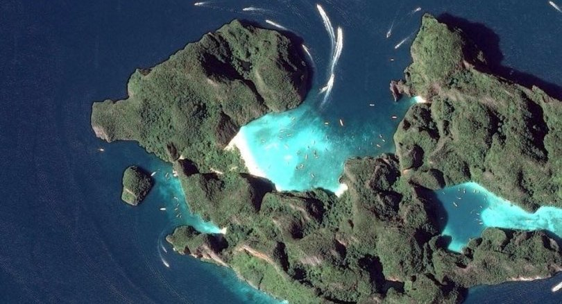 Access to Maya Bay, from the front, permanently closed   News by The Thaiger