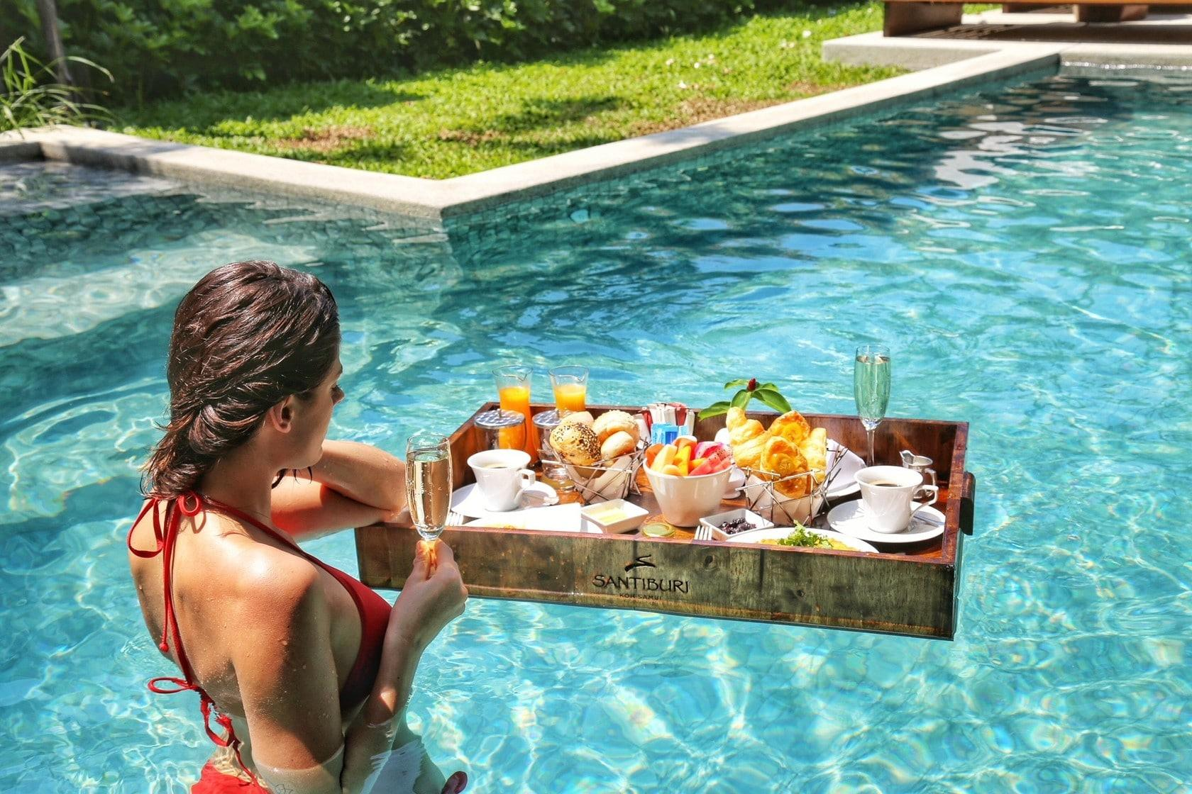Santiburi Koh Samui 'launches' a floating breakfast | The Thaiger
