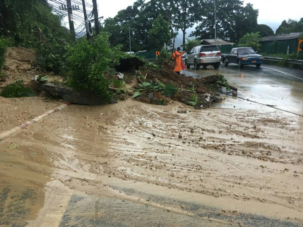 Phuket thunderstorms bring floods and a landslide | News by Thaiger