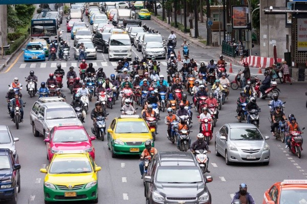 So why don't Thais want to wear their bike helmets? | The Thaiger