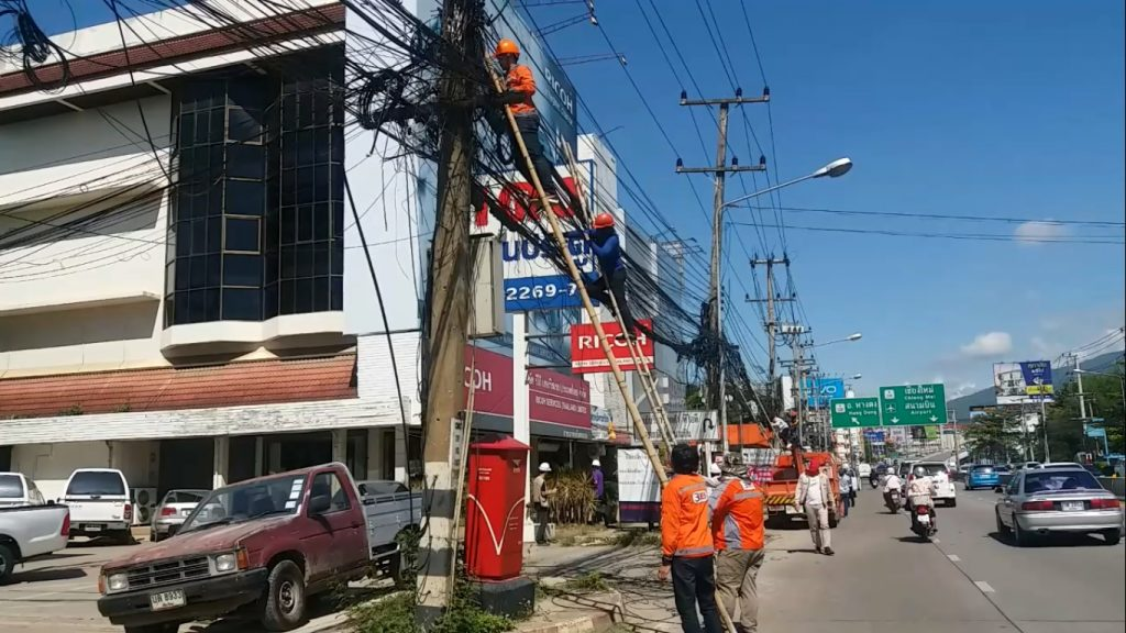 NBTC been told to clean up the overhead cabling mess | News by The Thaiger