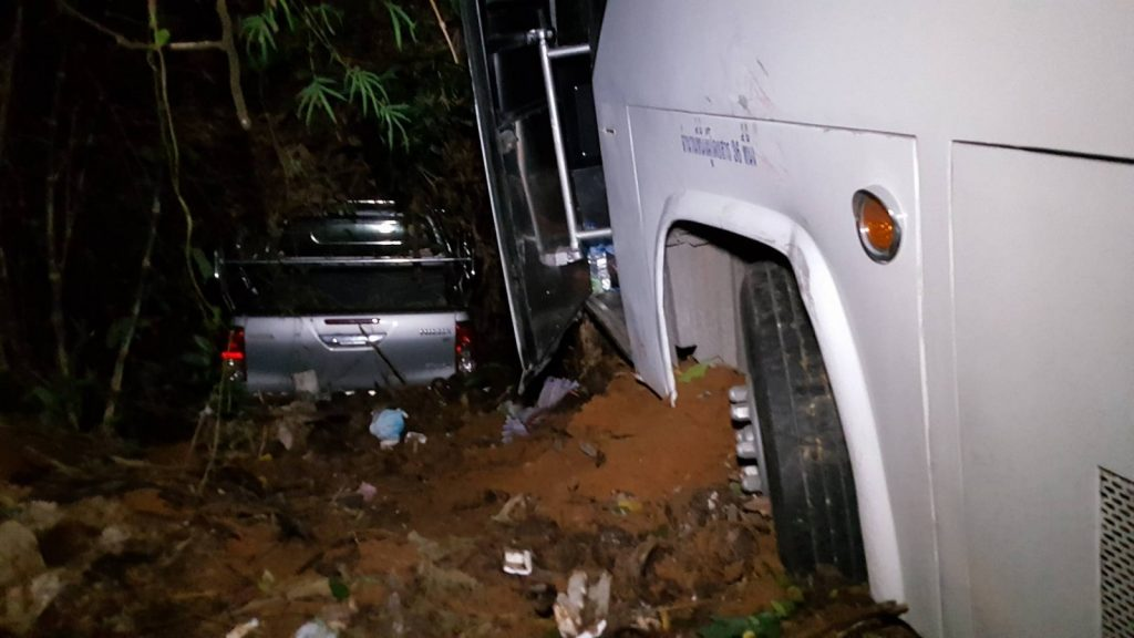 Chinese tour bus crash on Kata hill | News by Thaiger