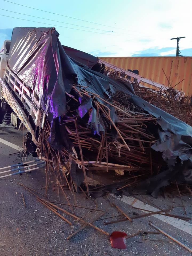 Seven die in motorway smash | News by Thaiger