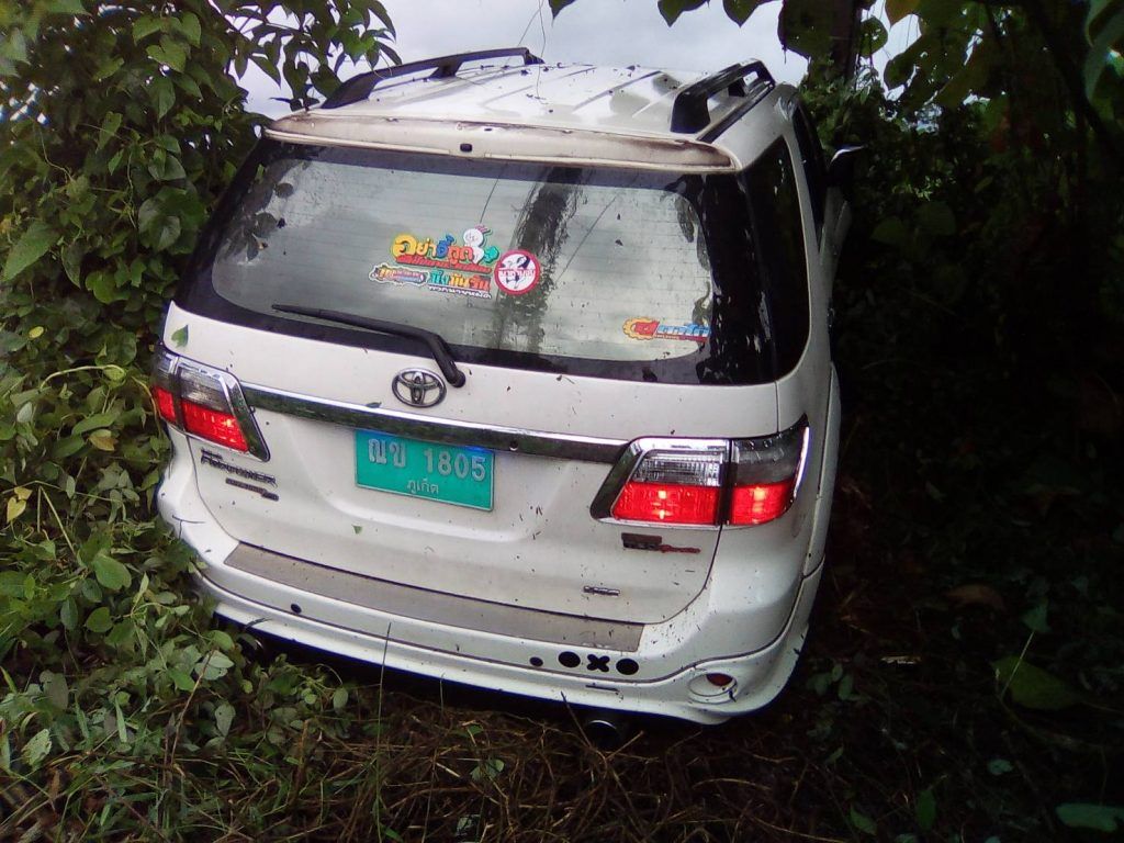 Phuket taxi driver disappears after Thalang road accident | News by Thaiger
