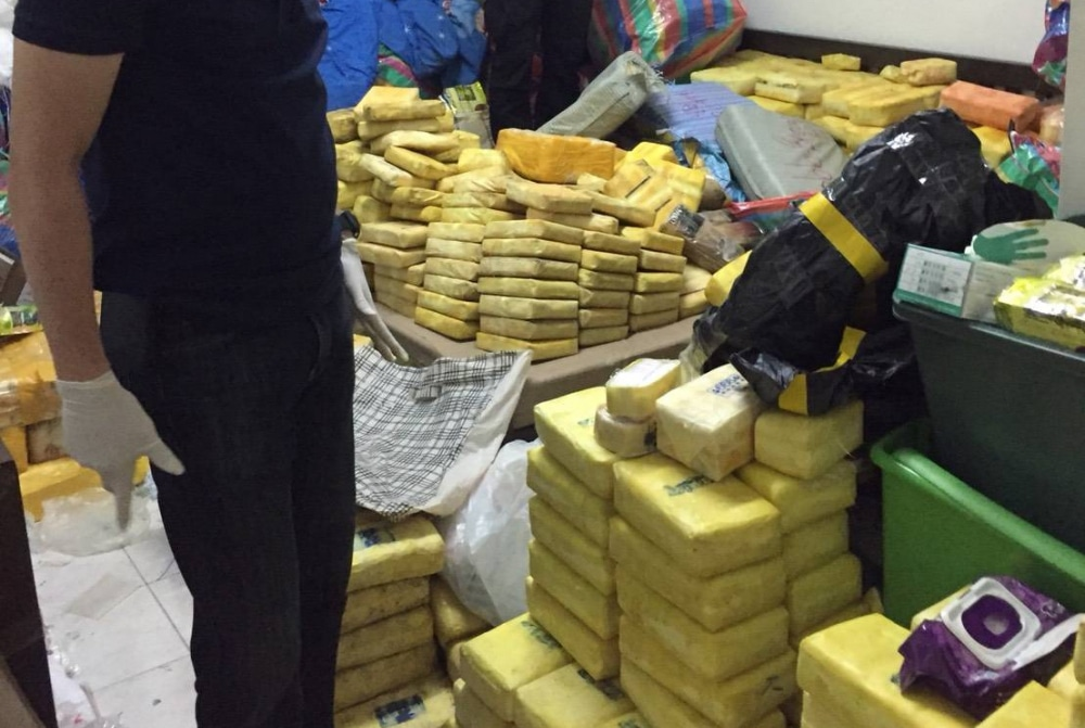 Bangkok teen arrested with 8 million pills and a whole lot more! | Thaiger
