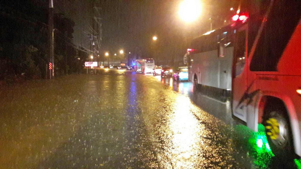 Floods paralyse Phuket roads, flights delayed and diverted   News by Thaiger