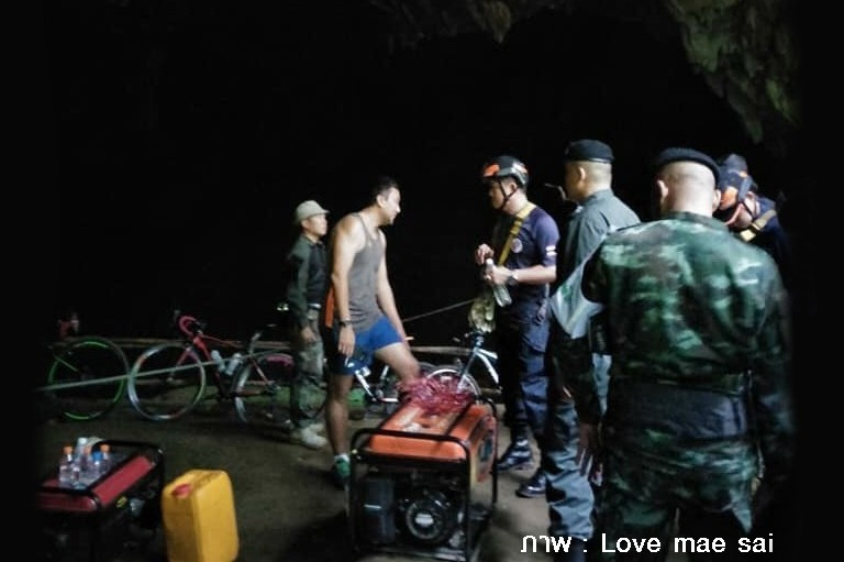 Chiang Rai: Rescue operation looking for 11 footballers and a coach trapped in a flooded cave | News by The Thaiger