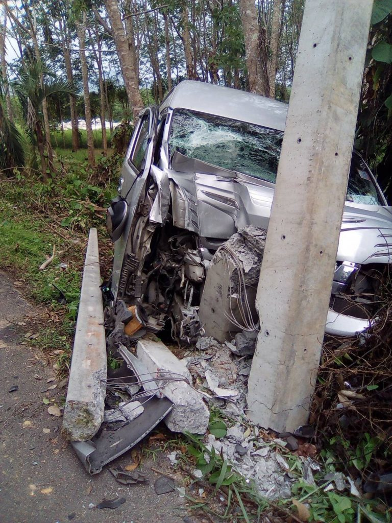 Female van driver, Chinese tourists injured in Phuket van crash | News by The Thaiger