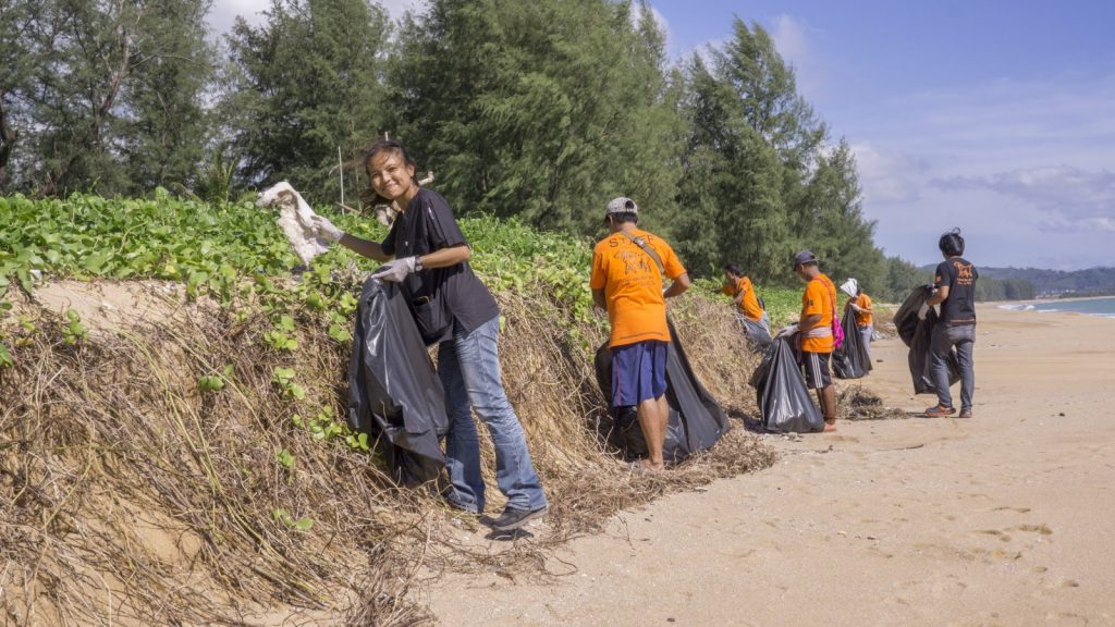 Soi Dog's beach cleaning day at Mai Khao | News by Thaiger