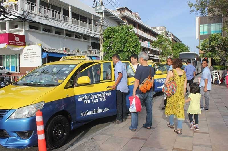 Pattaya taxis demanding 100 baht flag fall - three times more than Bangkok | News by The Thaiger