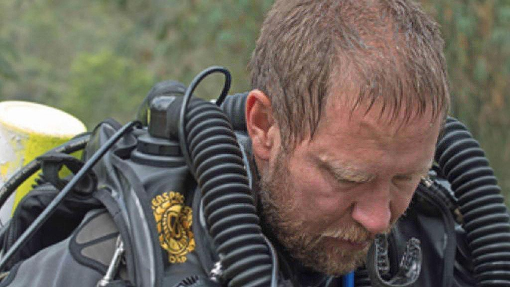 Australian cave medic emerges to his own tragic news | The Thaiger