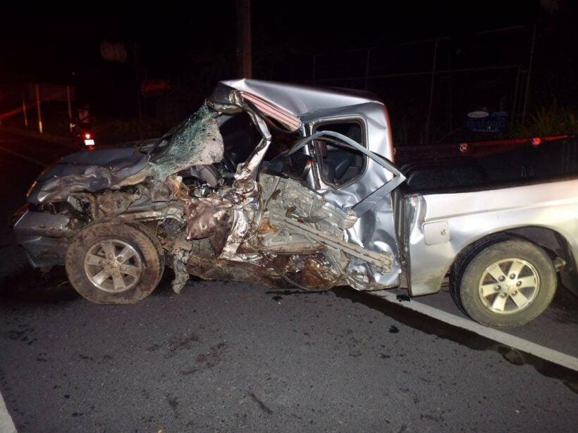 เกิดอุบัติเหตุรถกระบะหนุ่มพัทลุงเสียหลักขึ้นเกาะกลางฟาดต้นไม้พุ่งข้ามเลน เสียชีวิต   The Thaiger