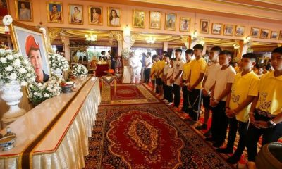 Blessing ceremony dedicated to Saman Kunan. 11 Mu Pa team members poised to enter monkhood. | The Thaiger