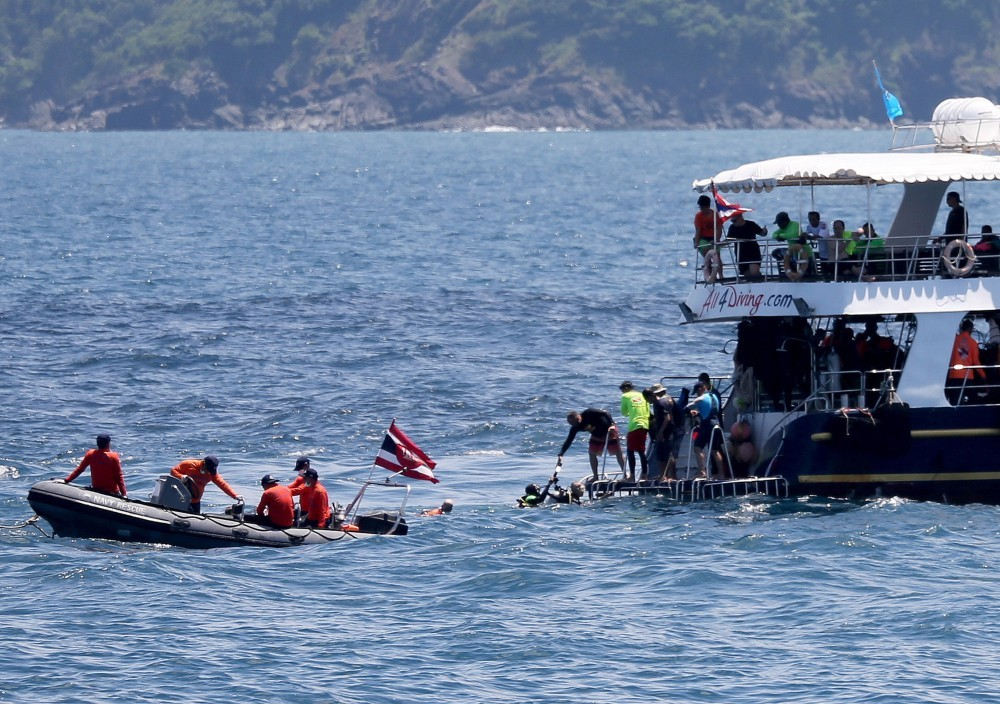 Chinese join search for 14 missing. PM visits Phuket today. | News by The Thaiger