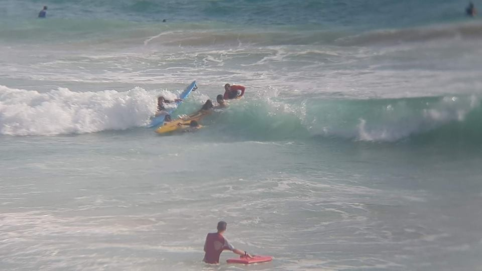 14 tourists and four Thai pulled out of Nai Harn surf | News by Thaiger