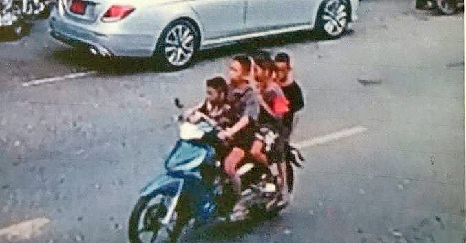 Gang of four kids steal BKK woman's Honda Wave | The Thaiger