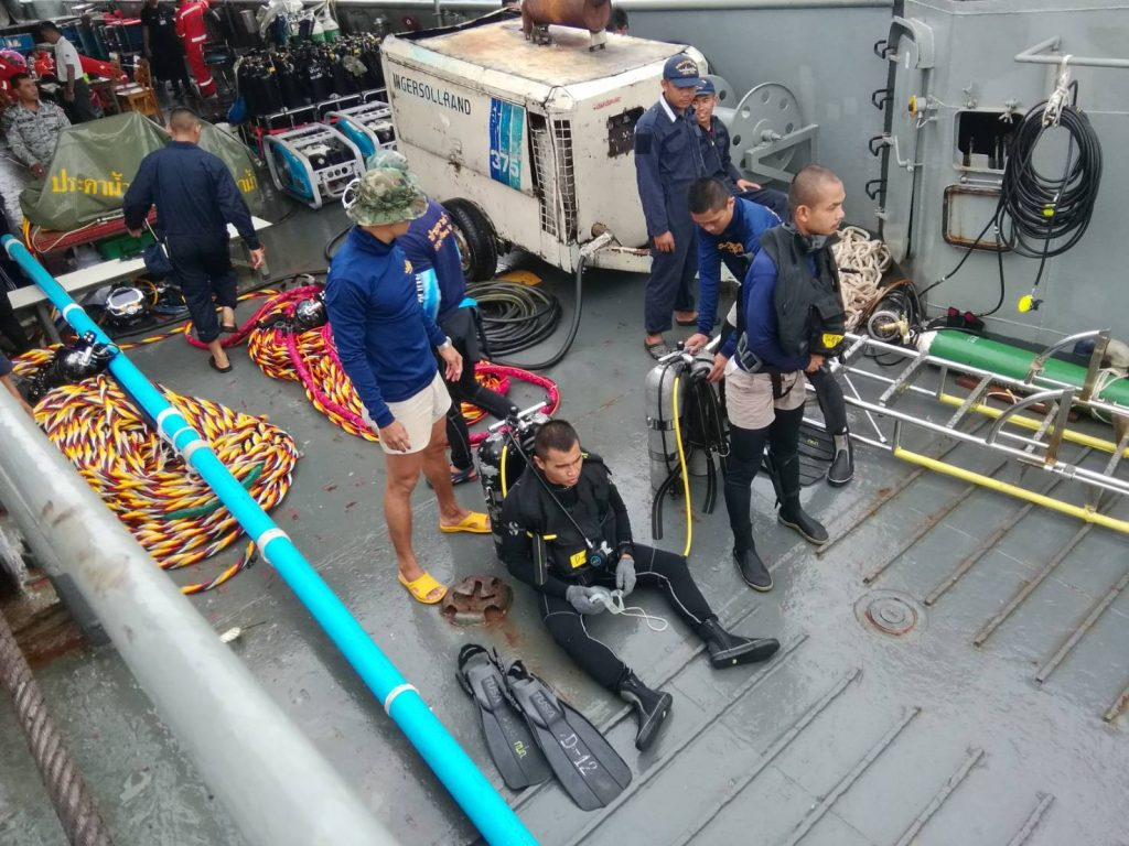 Divers recovering the last body from 'Phoenix' | News by The Thaiger