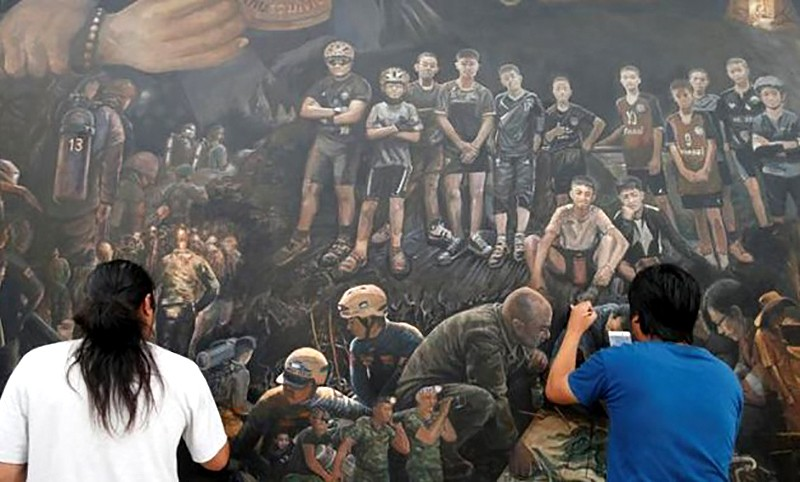 'The Heroes' unveiled in Chiang Rai | The Thaiger