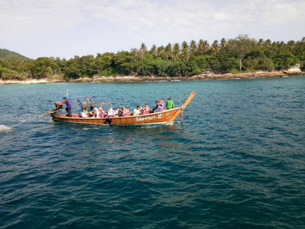 30 tourists stuck at Koh Racha Yai call for help to get back to Phuket   News by Thaiger
